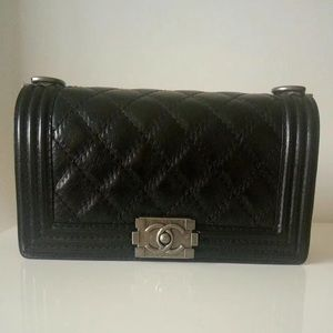 Goatskin quilted leather chain strap bag black